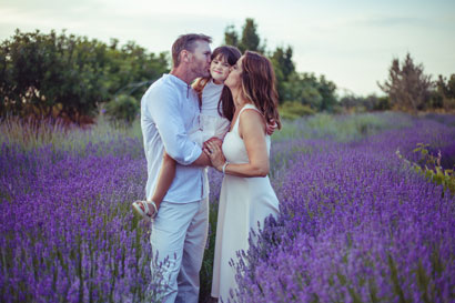 beautiful family photoshoot in the lavender garden at cyherbia